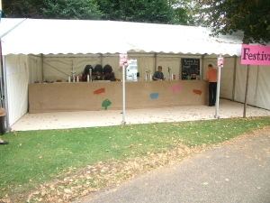 The festival bar, aka larger bar, the green hop bar tucked away around the corner was heaving.